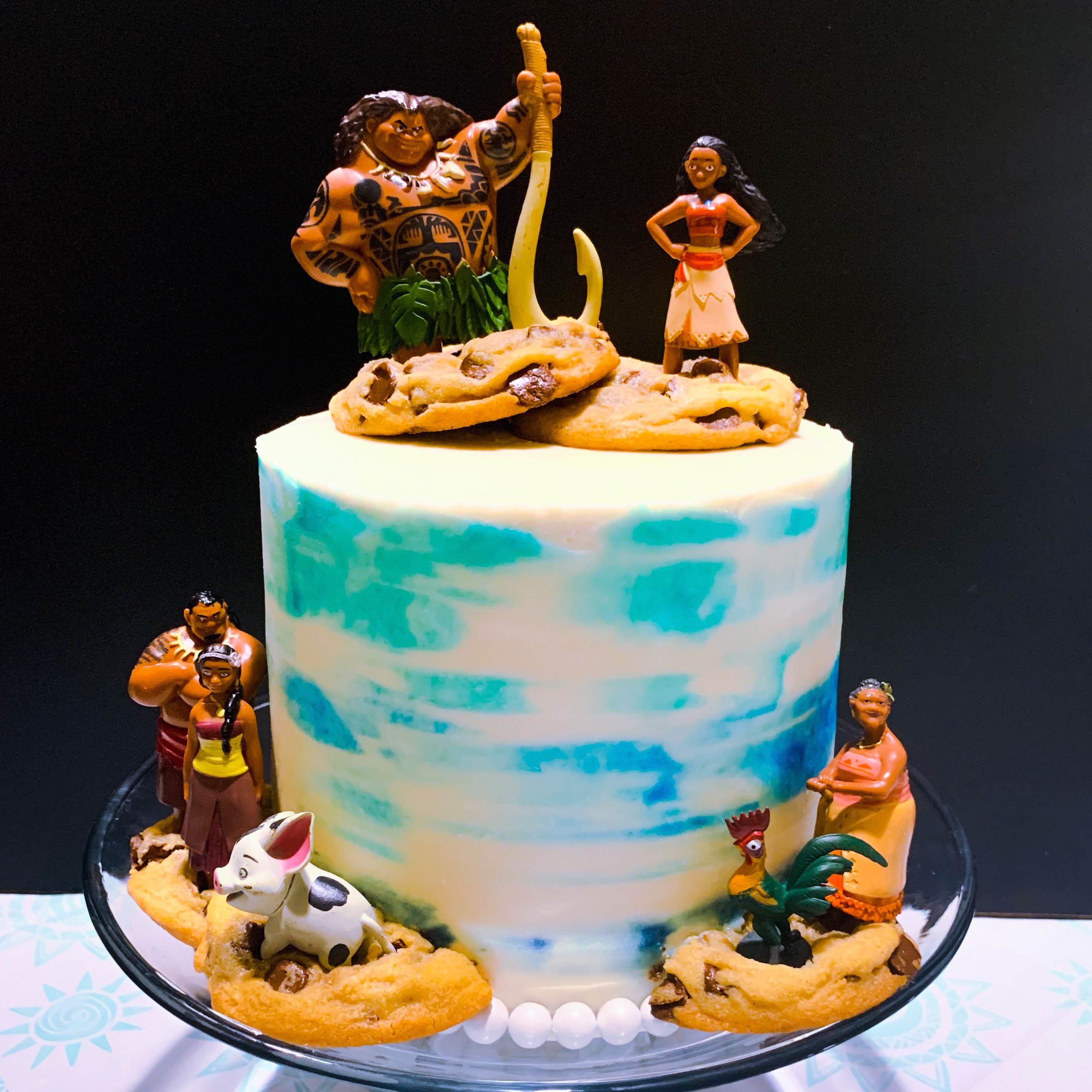 Moana Cake (Moana toppers provided by client)